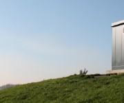 RVS gaskast op een heuvel - Zador