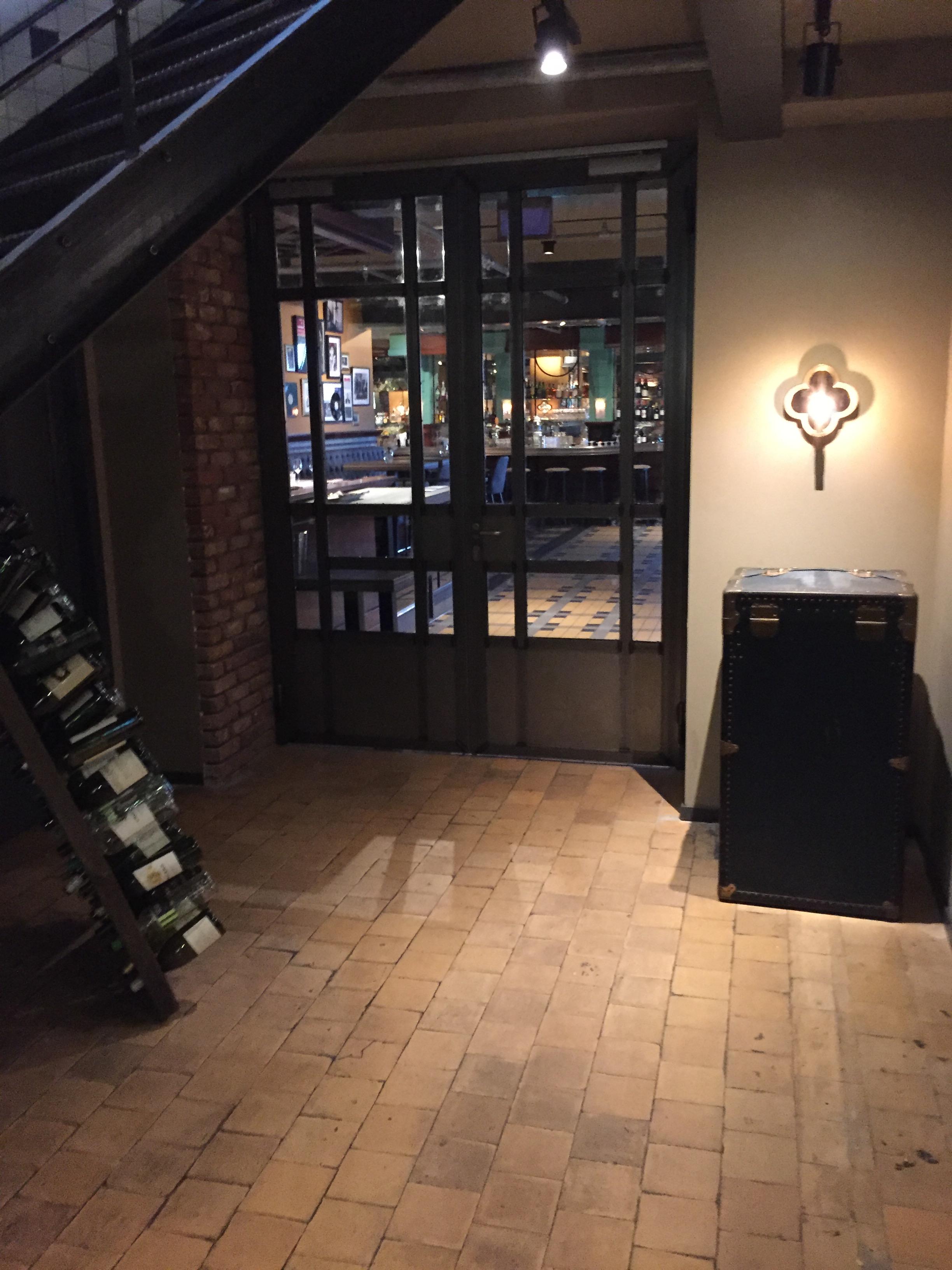 Staal verwerkt in interieur hotel new york zador for Interieur bedrijf