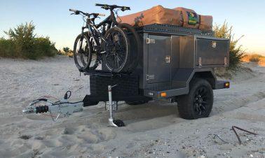 off road trailer voor achter een jeep