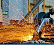 wat doet een metaalbewerker